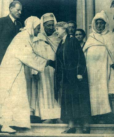 1934 - Le Sultan Mohammed et Madame Lyautey